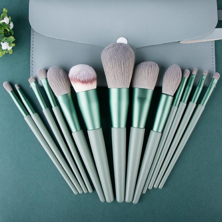 custom makeup brush manufacturer